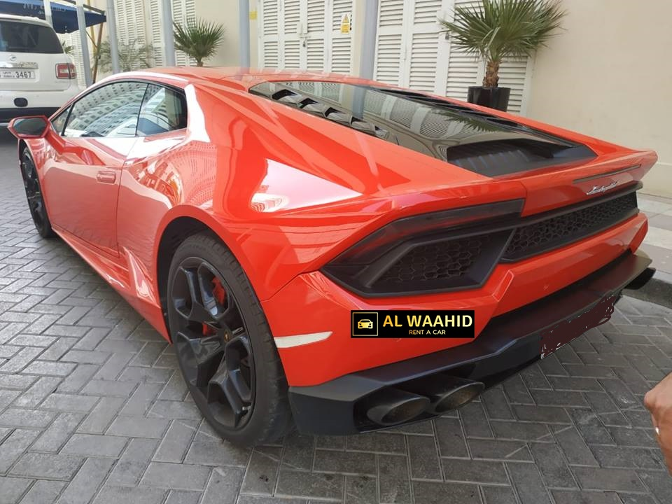 LAMBORGHINI HURACAN luxury car rental dubai