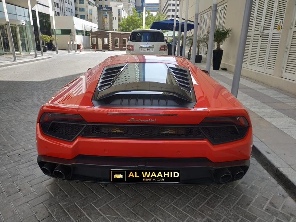 luxury car rental dubai alwaahid rent a car LAMBORGHINI HURACAN