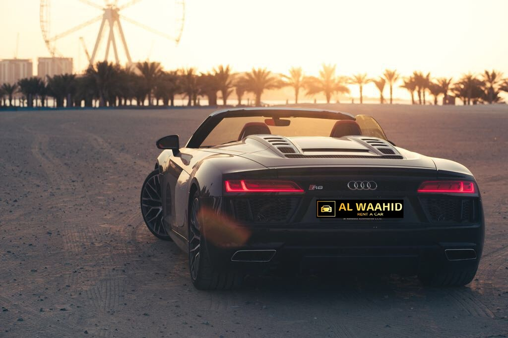 Audi R8 V10 Spyder 2018 luxury car rental dubai