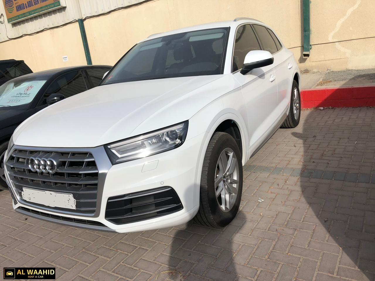 Audi Q5 2018 White rental dubai luxury car renal dubai