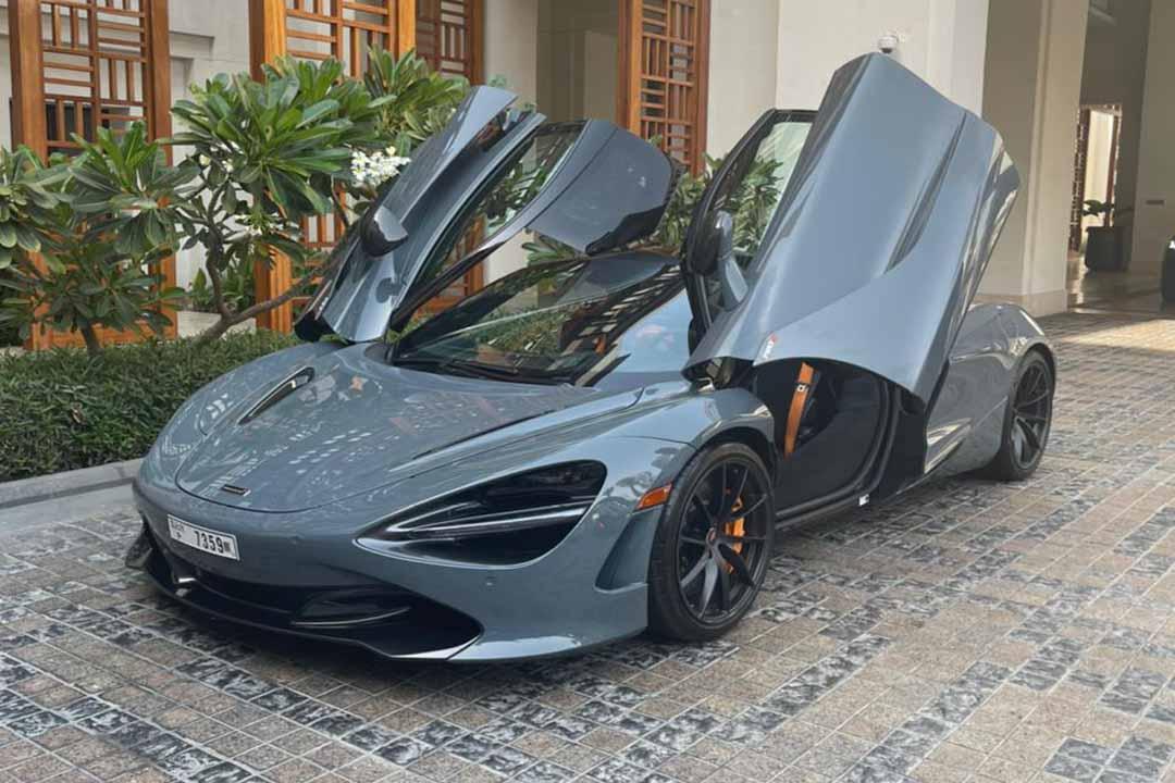 Mclaren 720s spider Rental Dubai