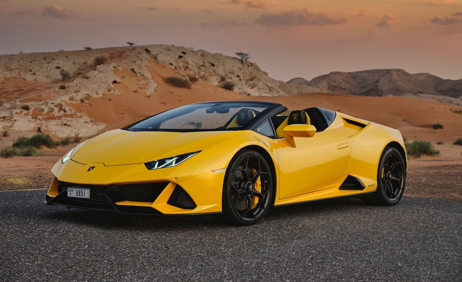Lamborghini Huracan EVO Spyder Rental in Dubai